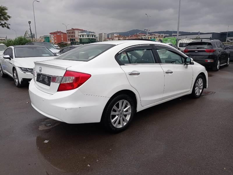 2014 HONDA CIVIC SEDAN 1.6 125 ELEGANCE